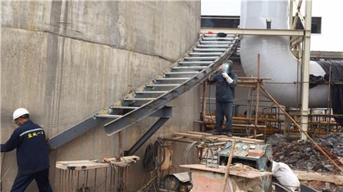 电厂烟囱安装爬梯资讯:
