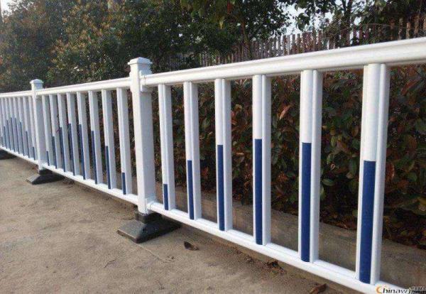 义乌80公分高道路施工隔离栏安装简单,可移动