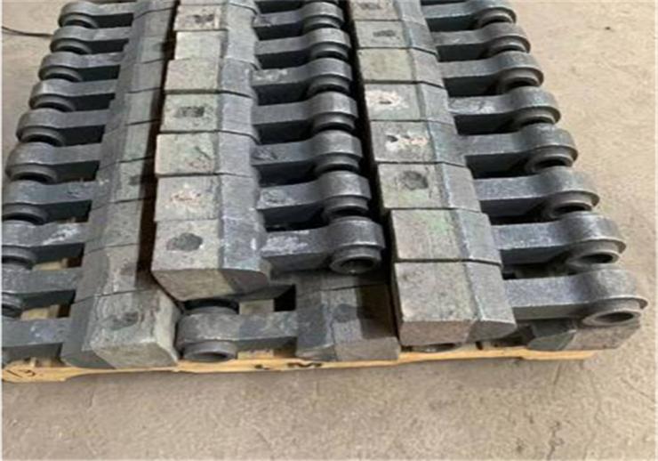 ZGCr28稀土耐磨护板生产厂家刮板