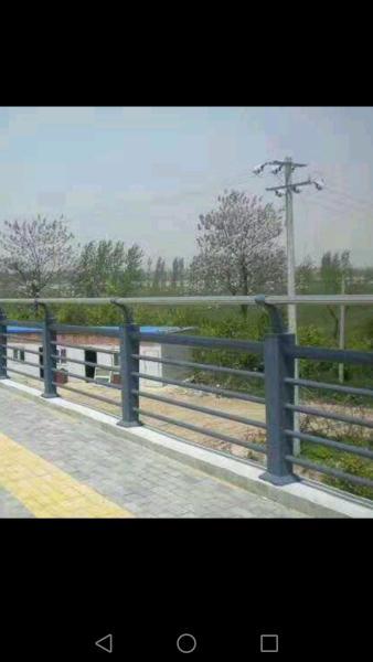 廣州防撞護欄材質