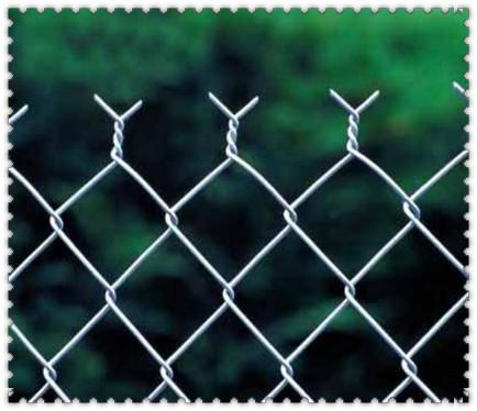 菱形孔护栏网 菱形护栏网用途 菱形护栏网样式