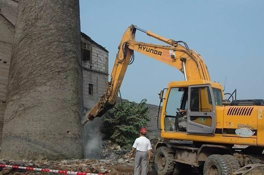连云港烟囱拆除欢迎来电:18252221508