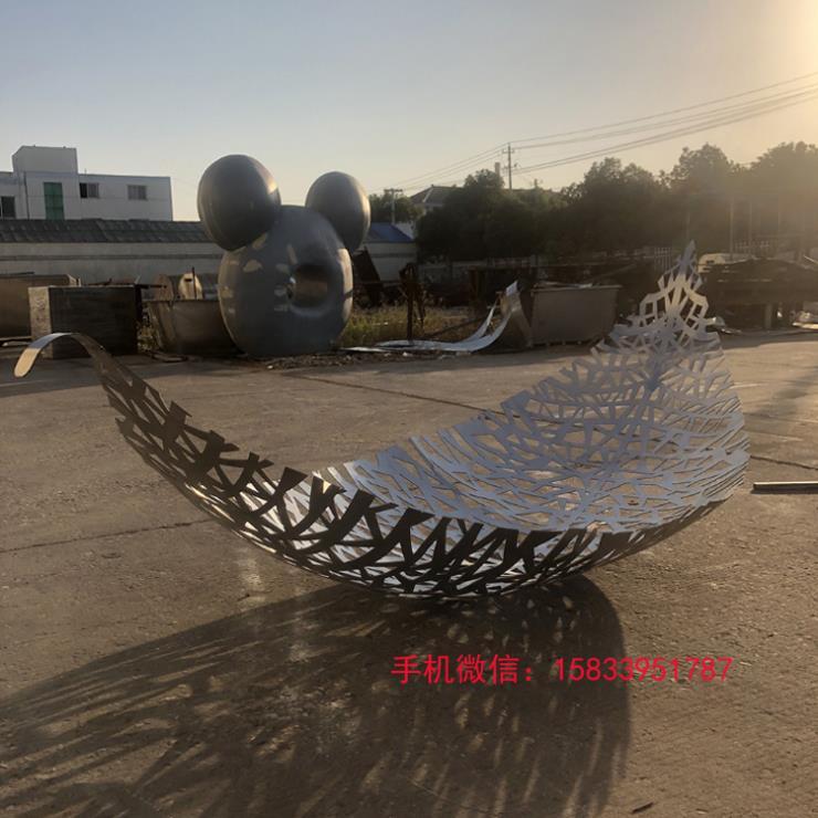 不锈钢镂空树叶雕塑 公园雕塑