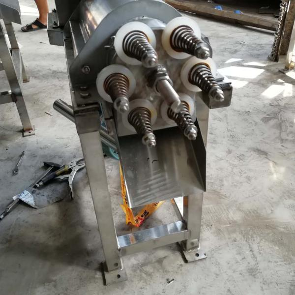 宁德多功能果蔬加工设备螺旋挤压榨汁机图片