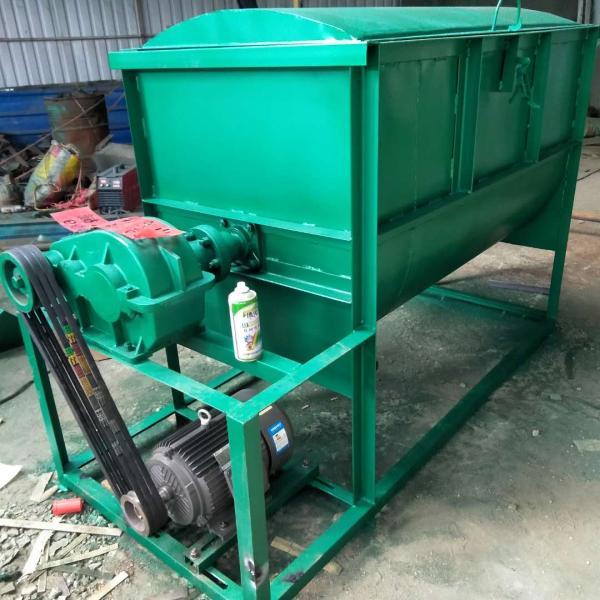 朝阳厂家供应 饲料搅拌机 多少钱多功能搅拌粉碎机
