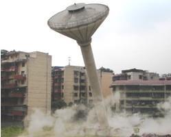 新疆喀什伞形水塔撤除