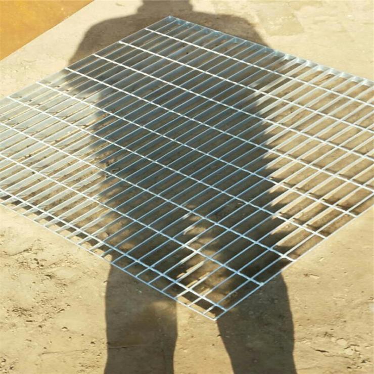 浙江碳钢钢格楼梯踏步板