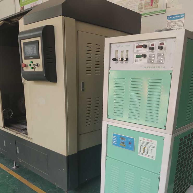 液压杆等离子堆焊机熔覆碳化钨