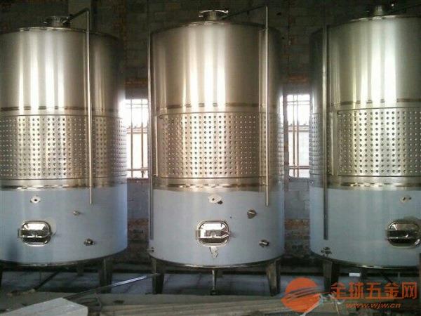 辽宁沈阳不锈钢保温水箱长春不锈钢保温水罐的特点有哪些