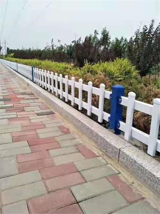 重庆城口锌钢护栏价格