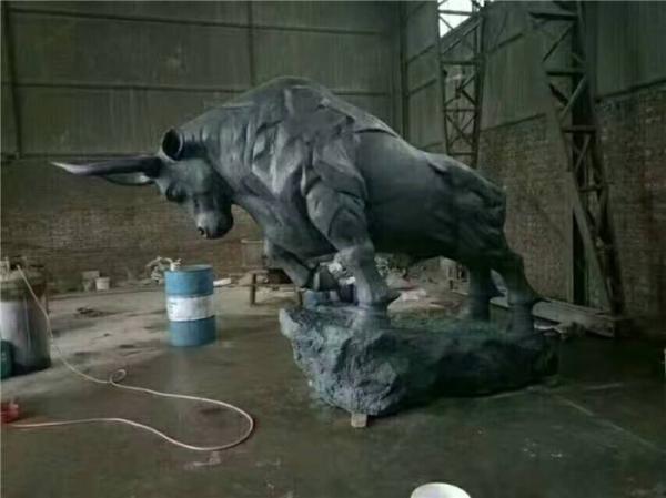 �_荒牛雕塑 大型�~牛 青�~牛