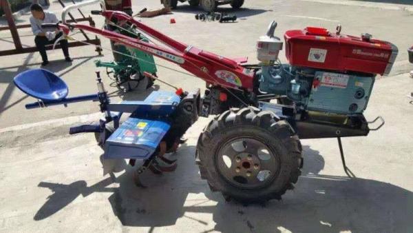 新型手扶拖拉機可以掉頭嗎