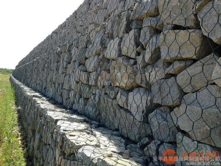 专业生产堤坡防护网石笼网【厂家快捷的报价速度】