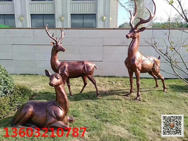 仿真鹿雕塑 长颈鹿园林景观玻璃钢雕塑