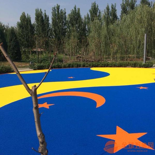 一条龙服务篮球场、羽毛球场、塑胶场地大型玩具