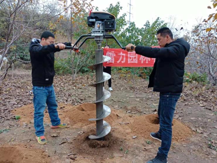 最新款大功率植树挖坑机