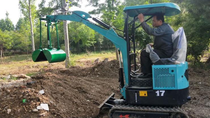 小型挖掘机/挖掘机修理为什么人少/汇众机械一机多用
