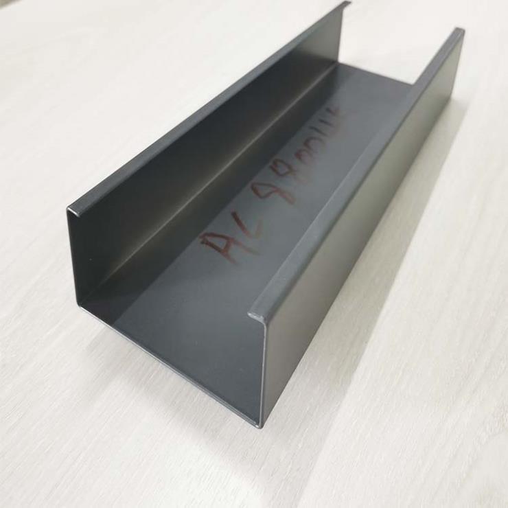 黑色白色仿木紋色條形U型型材鋁格珊天花吊頂外墻墻面