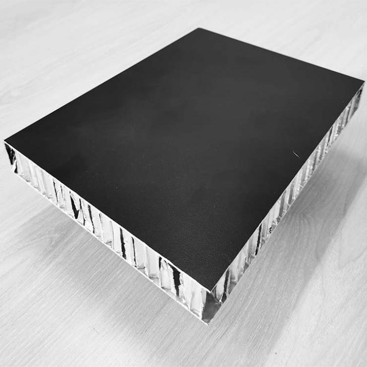 以厚度規格廠家價格直銷留縫干掛施工復合蜂窩鋁板