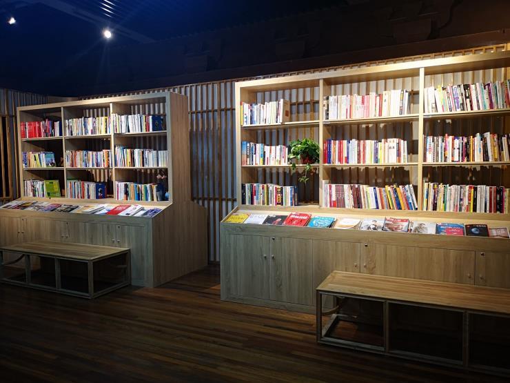 枣庄滕州展柜台儿庄展柜薛城展柜枣庄饰品图书展柜制作厂