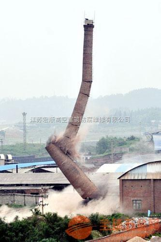 龙城区50米砖烟囱粉刷