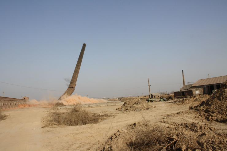 柞水80米水泥烟囱拆除报价适中