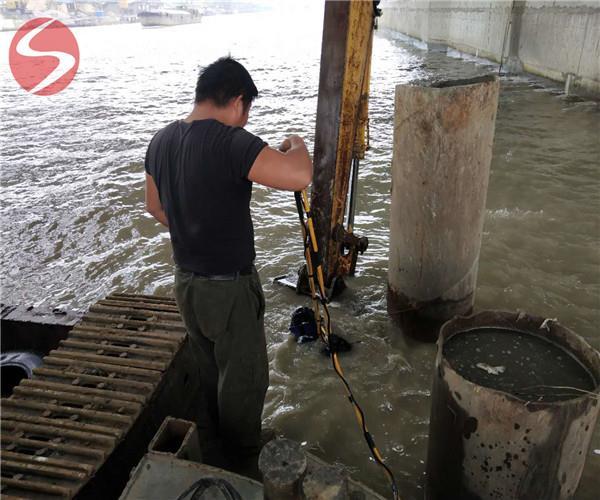水下混凝土桥墩施工(服务以人为本)