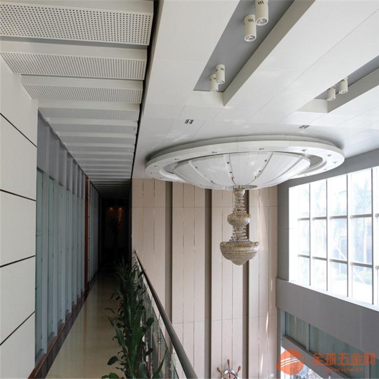 白色氟碳铝单板 包柱铝单板 异形铝单板