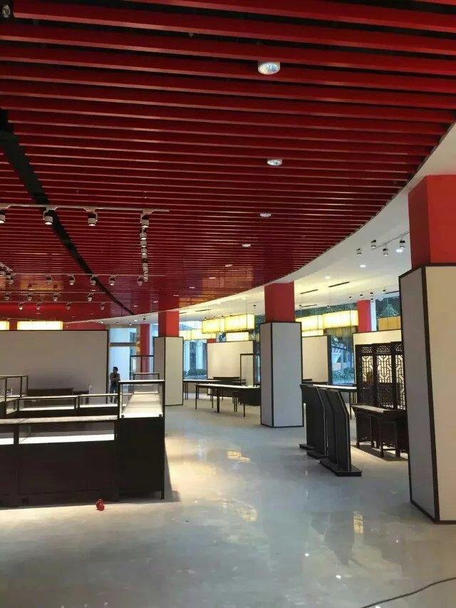 豪亚铝方通价格表,地铁站条形吊顶铝方通