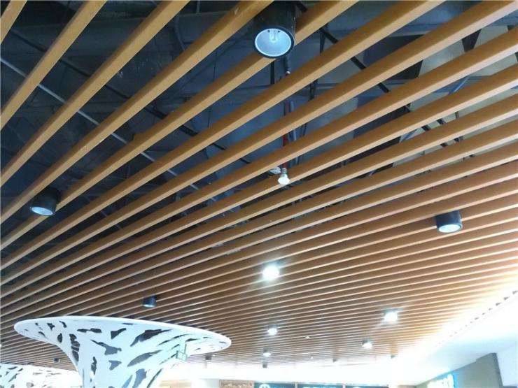 木纹铝方通厂家,木纹U形铝方通---专业铝方通厂家