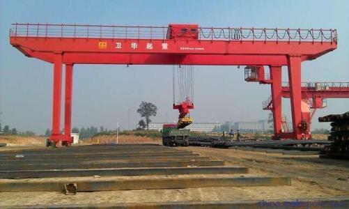 卫华集团新闻:2.95吨QU120桁车道轨不要买贵了