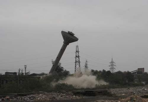 咨询:河北水泥烟囱拆除专业公司