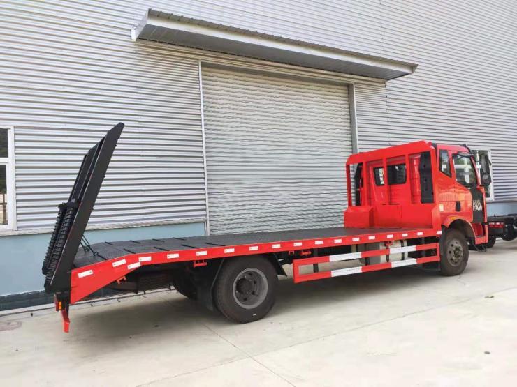 拉280挖掘机运输车轴勾机平板车