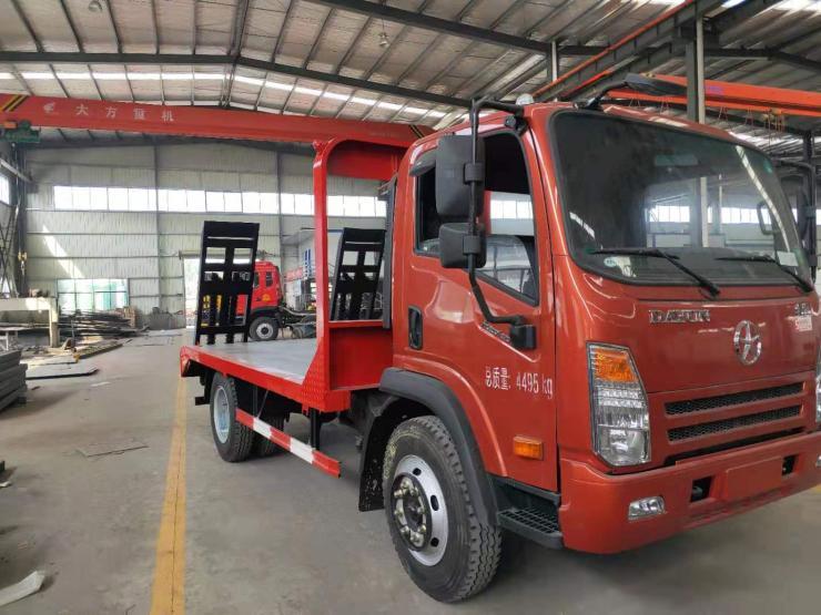 东风双后桥15-30吨工程机械平板运输车挖掘机拖车4桥挖机平板运输车