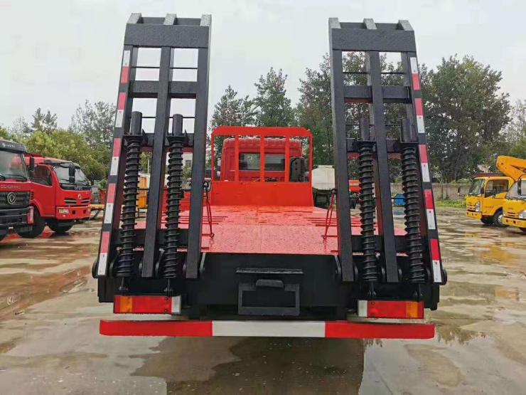 解放平板運輸車小挖機拖板車平板拖車轉讓