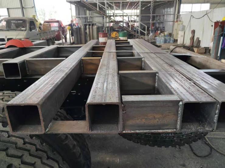 小挖掘機拖車價格小挖機平板車后八輪挖掘機板車