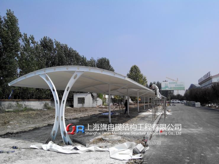 江苏省苏州市厂区汽车棚上海旗冉膜结构厂家价格