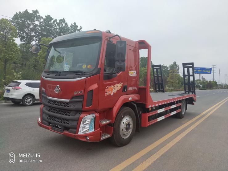 歐曼平板車價格參數配置圖片挖機拖車價格小三軸鉤機平板拖車