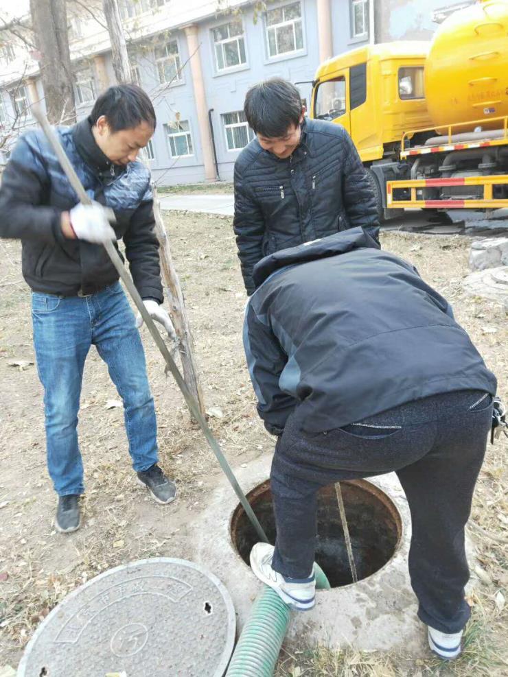 東麗軍糧城雨水管道疏通清淤服務部