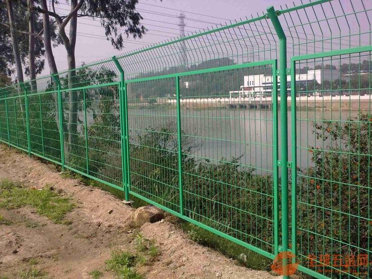 框架护栏网批发厂家_武汉铁丝围栏网价格