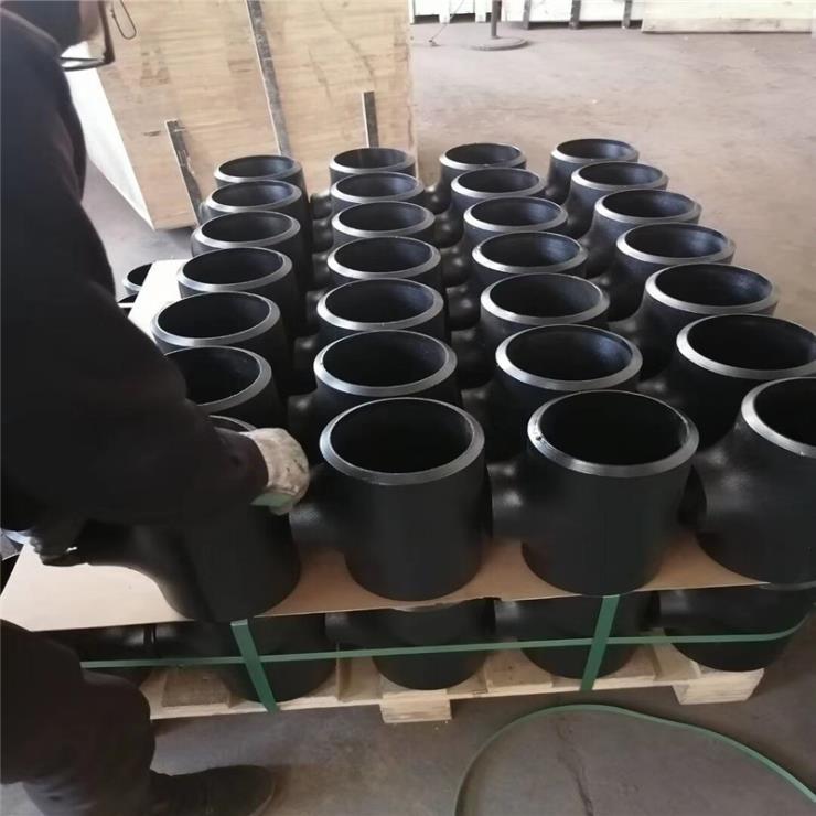 鹽山廠家生產 304不銹鋼無縫等徑三通 現貨供應