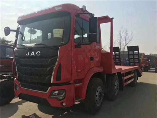 江淮格尔发小三轴挖机拖车多少钱拉200挖机拖车