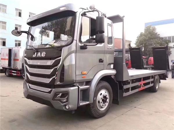 8吨解放J6挖机平板运输车
