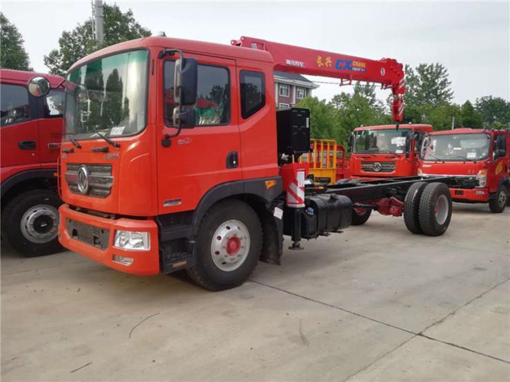 东风华神D912平板拖车小挖机挖机拖车
