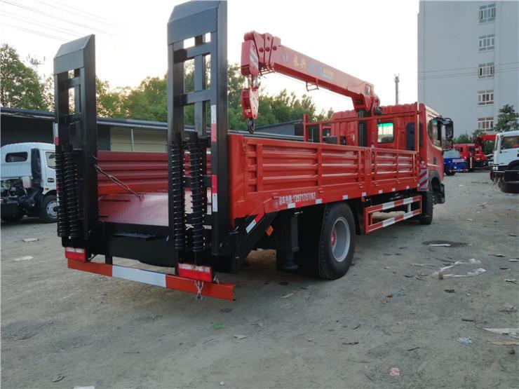 湖北大运平板拖车15吨挖机平板车车