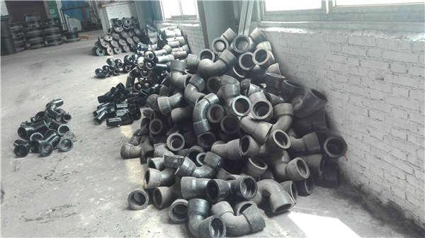 大连普兰店区dn1400T型球墨铸铁管喷塑加工生产