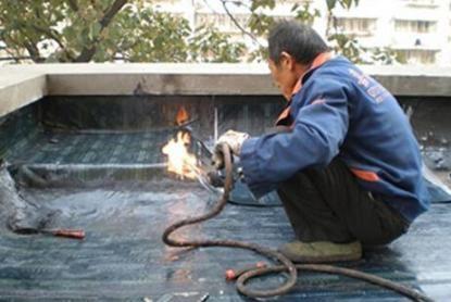 专业安装各种水龙头、阀门、更换马桶水箱配件洁具