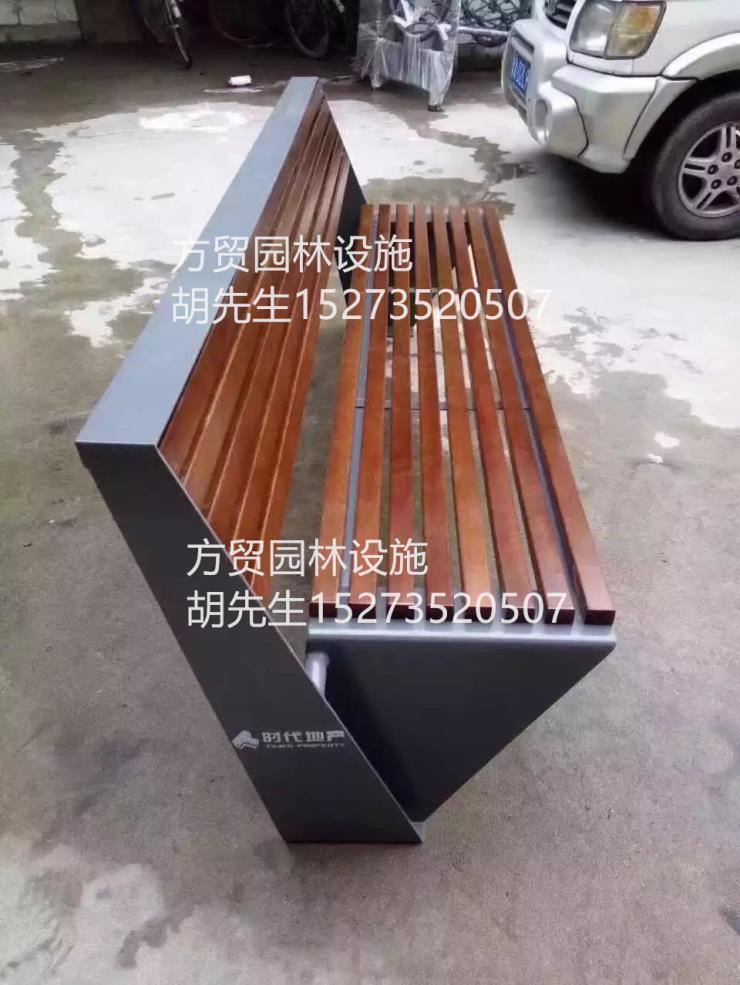金属休闲椅定做;特色铁艺防腐木椅子的使用周期