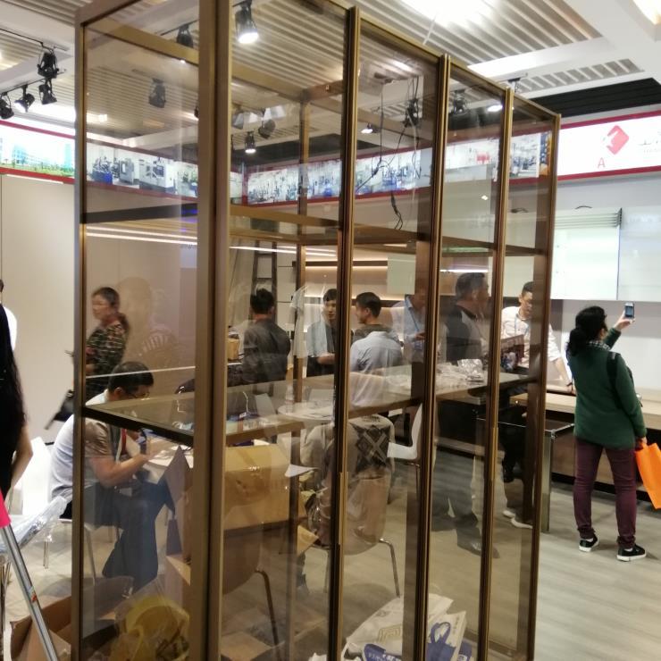 在线看免费观看日本供应欧式大型不锈钢酒柜 可非标定制