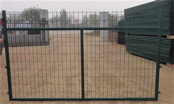 高铁防护栅栏